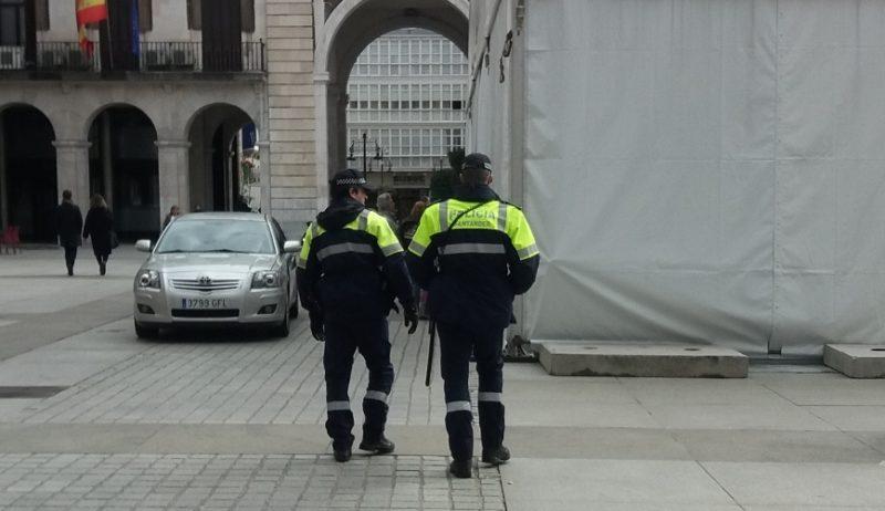 Los sindicatos de la policía local en Cantabria critican que no se haya tenido en cuenta ninguna de sus alegaciones en cuestiones especialmente importantes