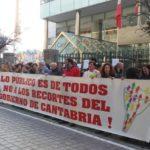 Imagen de la concentración de protesta de los delegados sindicales del Gobierno de Cantabria