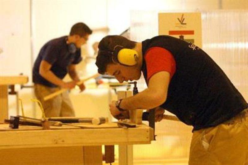 Más de la mitad de los jóvenes cántabros de menos de 30 años son inactivos laboralmente