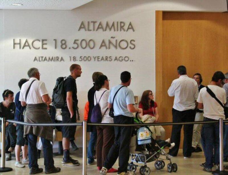 Si no se reconoce la especialidad profesional de los guías de Altamira, estos dejarán de ejercer y se acabarán las visitas guiadas