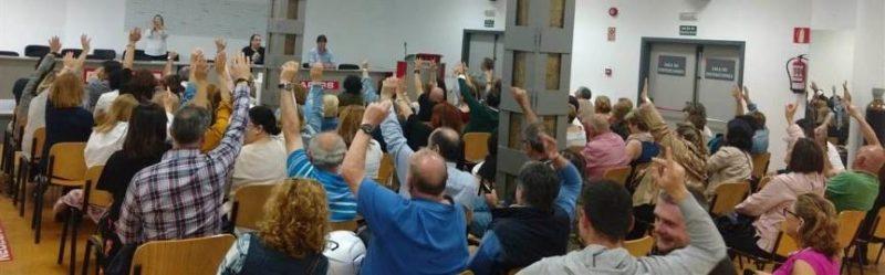 Asamblea de trabajadores del sector de la limpieza en Cantabria que aprobaron el inicio de movilizaciones