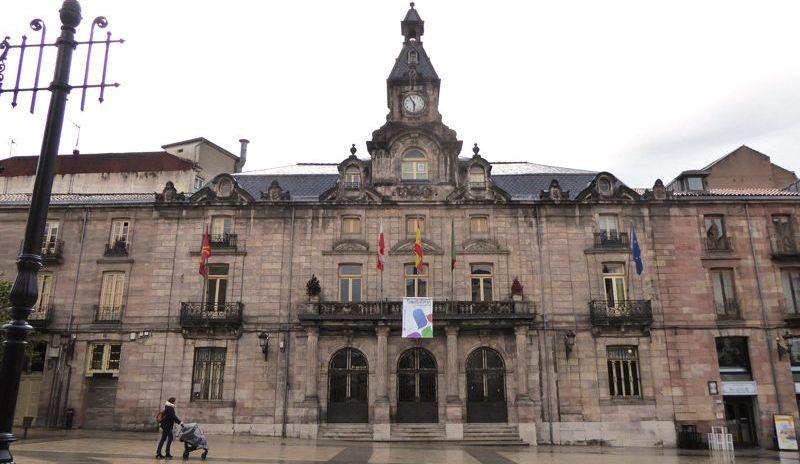 El Ayuntamiento de Torrelavega abre expediente sancionador a la adjudicataria de la limpieza