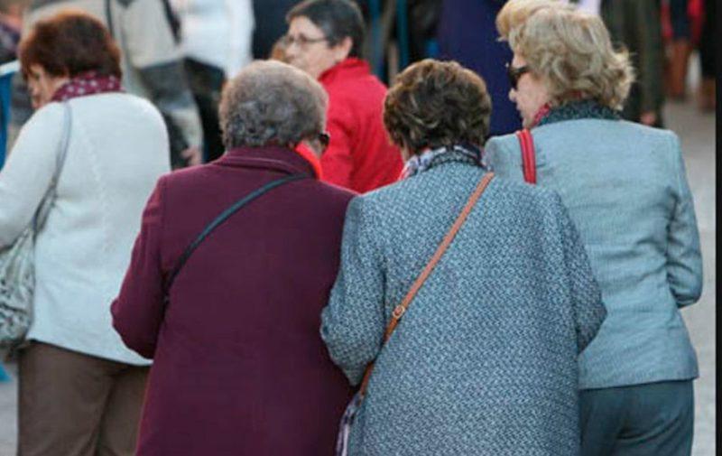 La brecha de género en las pensiones asciende a 7.651,42 euros anuales en 14 pagas