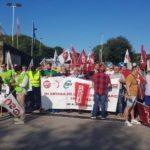 Concentración de los trabajadores de OMBUDS Seguridad ante el Museo de Altamira