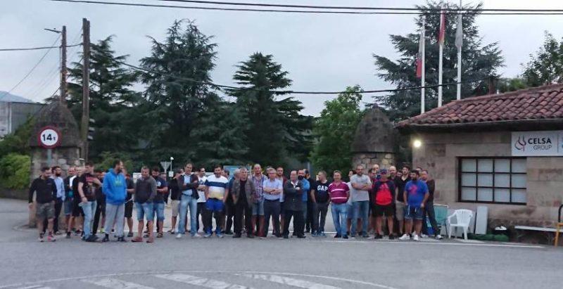 Concentración de los trabajadores de Global Special Steel Products en el octavo día de huelga en la fábrica corraliega
