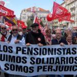 Jubilados y pensionistas de UGT en Cantabria durante una de las muchas movilizaciones que vienen convocando desde 2013
