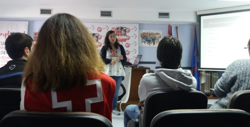 Curso de OJUCA sobre el primer empleo para jóvenes del programa formativo de Cruz Roja en Cantabria