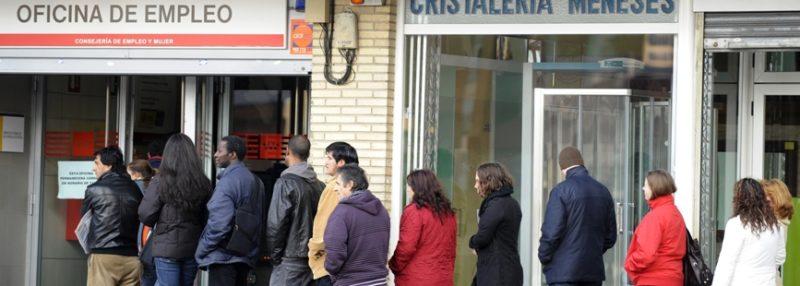 El paro disminuyó en Cantabria en diciembre pero a costa de más de un 93% de contratos temporales