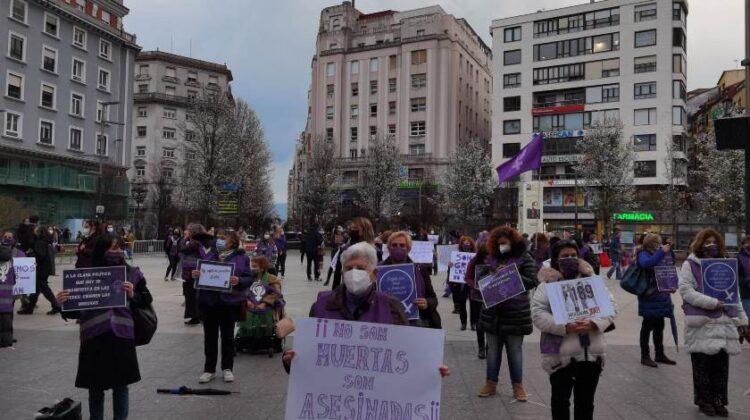 Concentración del 8 de Marzo en la Plaza del Ayuntamiento de Santander
