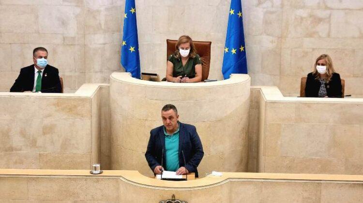 El secretario general de UGT, durante su intervención en el Parlamento