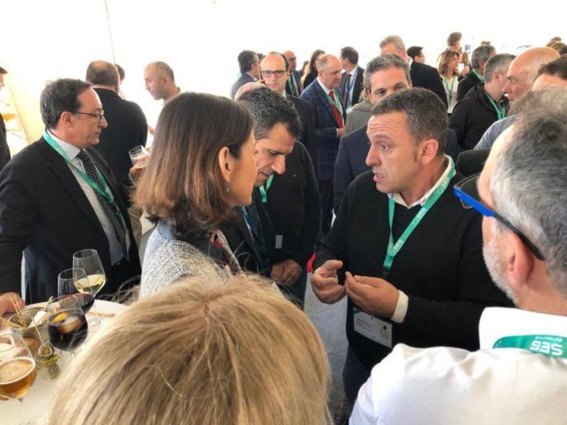 Carmona y la ministra de Industria, en la visita a la fábrica SEG Automotive en Treto