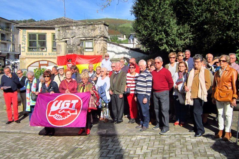 Homenaje de los jubilados y pensionistas de UGT al Dr. madrazo, el pasado sábado 26 de octubre