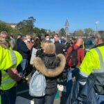 Trabajadores de SEG-Automotive en la concentración frente a la fábrica en el primer día de la huelga que se iniciaba hoy