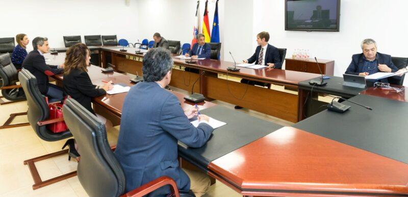 UGT y CCOO alcanzan un segundo acuerdo en el diálogo social de Cantabria de medidas frente a la Covid-19