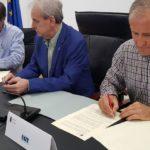 Firma del acuerdo para la recuperación de derechos de los empleados públicos de la Administración autónoma de Cantabria
