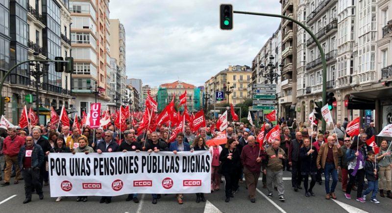 Imagen de una de las movilizaciones recientes por las pensiones convocada por ambos sindicatos