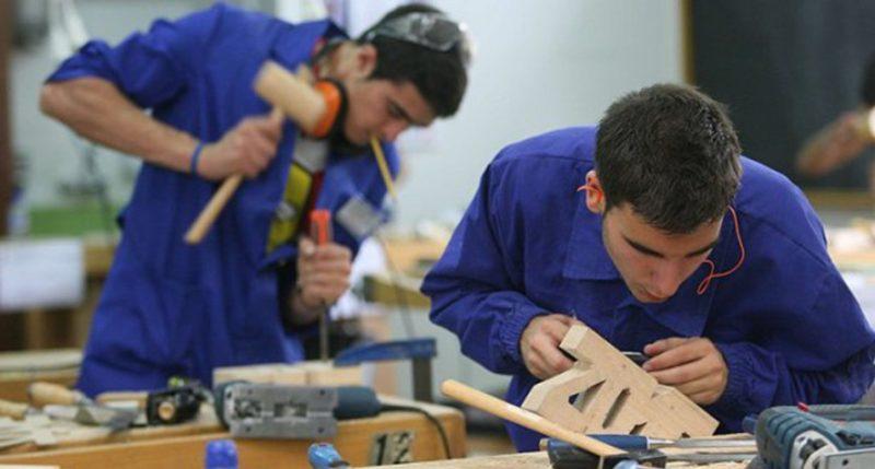 La población activa menor de 44 años volvió a disminuir en Cantabria un 5% en 2017