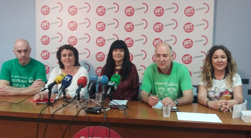 Miembros de la Junta de Personal Docente de Cantabria en una imagen de archivo de una rueda de prensa celebrada en la sede de UGT