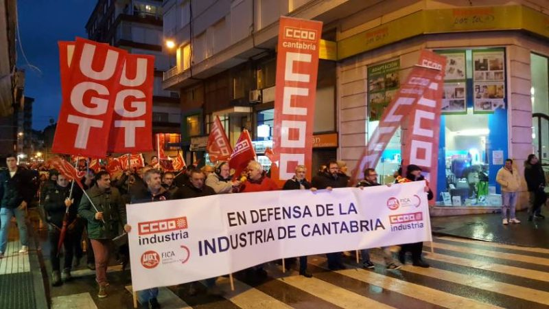 Miles de personas clamaron hoy por la industria de Cantabria