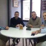 Imagen de la reunión; de izquierda a derecha, Luis Díez, Valentín Fernández, Mariano Carmona, Gaspar Anabitarte y Alberto Pérez