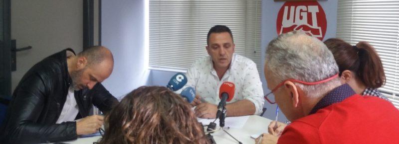 Carmona, en un encuentro con los medios de comunicación antes de iniciarse el comité regional del sindicato
