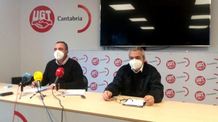 Los secretarios generales de UGT y de CCOO en Cantabria, Mariano Carmona (izquierda) y Carlos Sánchez