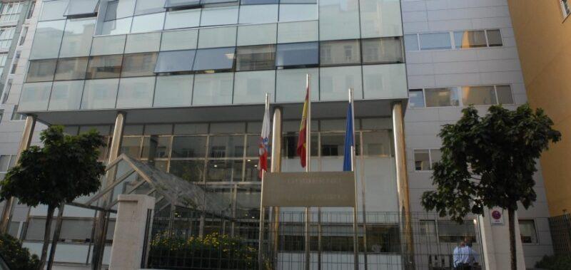 Más de la mitad de las plazas de la Administración General del Gobierno de Cantabria están vacantes