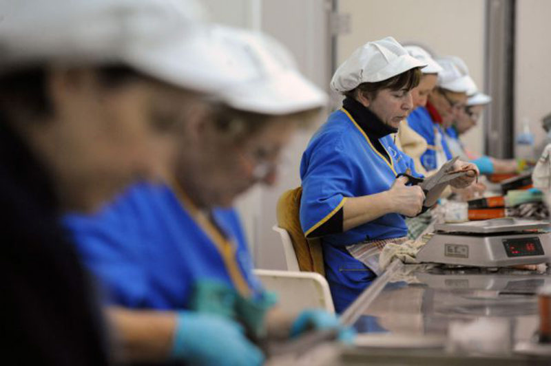 La población activa femenina disminuye en Cantabria más de un 4% en el último año
