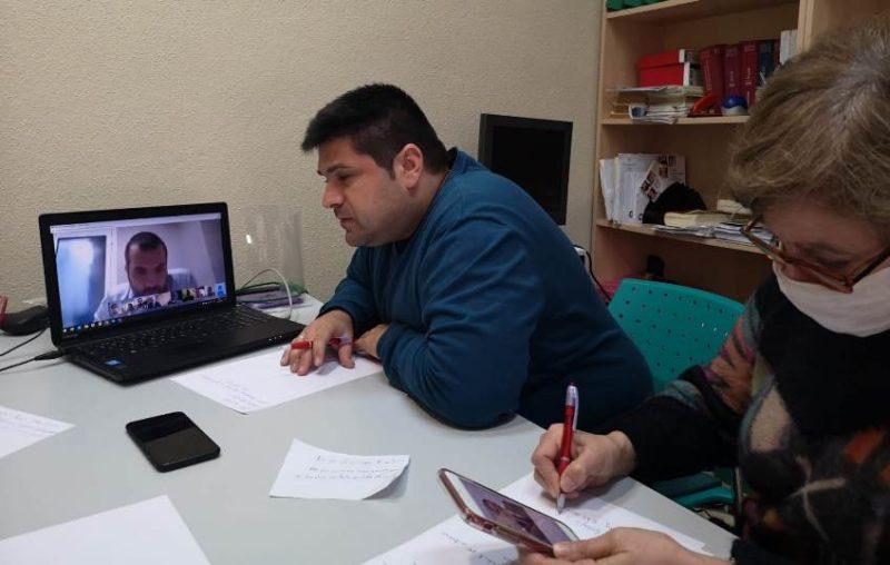 Francisco Plaza, secretario del comité de empresa de Sniace, durante la videoconferencias con los administradores concursales
