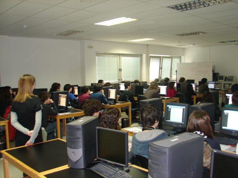 UGT no rechaza encuestas y estudios que permitan mejorar el calendario escolar de Cantabria