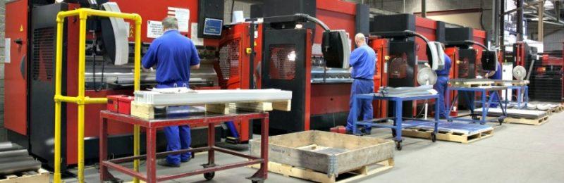 La industria cántabra ha perdido más de un 30% del empleo que tenía hace ocho años, la mitad de ellos del sector siderometalúrgico
