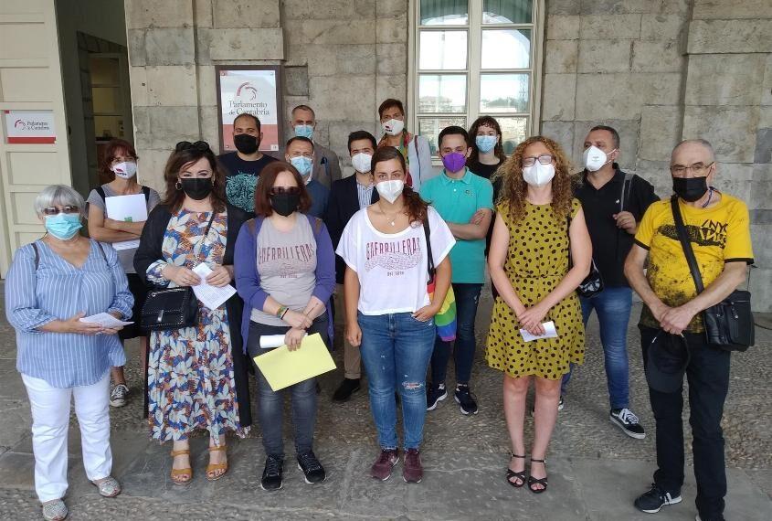 UGT respalda el Manifiesto por la Ley de la Memoria Histórica de Cantabria