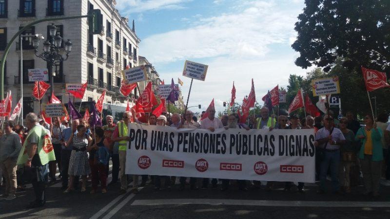 Imagen de la concentración de los jubilados y pensionistas de UGT y de CCOO en Cantabria