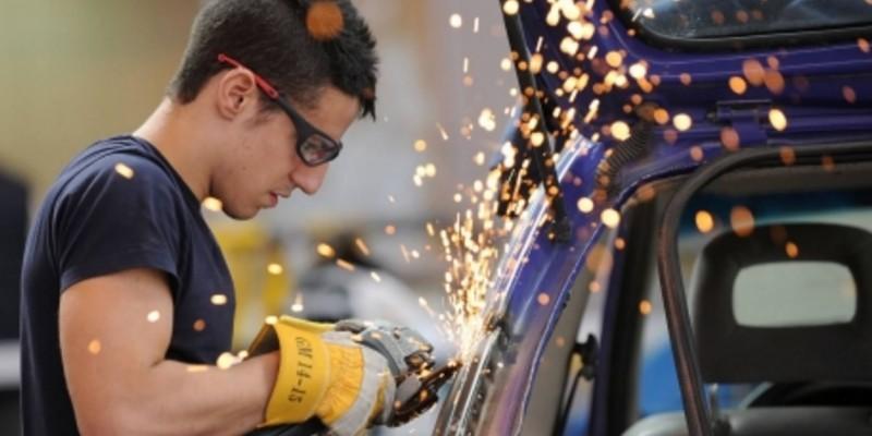 Cantabria registra la menor tasa de empleo y de actividad entre los menores de 25 años de todas las comunidades autónomas españolas